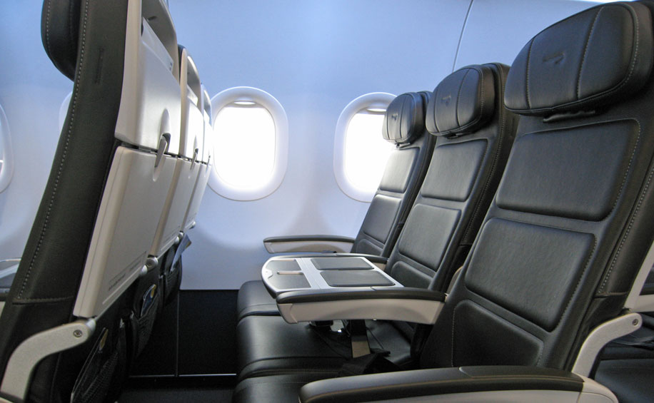 Flight review: British Airways A320 Club Europe – Business ... on qatar airways a350 seat map, us airways airbus a330-200 seat map, us airways embraer 175 seat map, us airways canadair jet seat map, etihad airways a320 seat map, aer lingus a320 seat map, us airways crj-200 seat map, us airways boeing 767 seat map, spirit airlines seating chart seat map, us airways boeing 737-800 seat map,