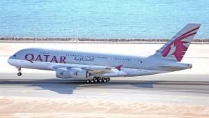 Qatar Airways' Airbus A380-800 (916x621)