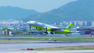 Jin Air B777-200ER take-off
