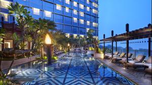 Four Seasons Jakarta swimming pool