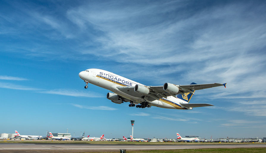 SIngapore Airlines A380 at Heathrow