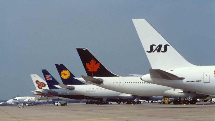 Star Alliance members in 1997 - Thai Airways, United, Lufthansa, Air Canada and Scandinavian Airlines