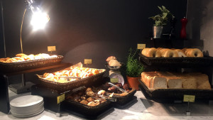 United Club lounge breakfast buffet at London Heathrow Terminal 2