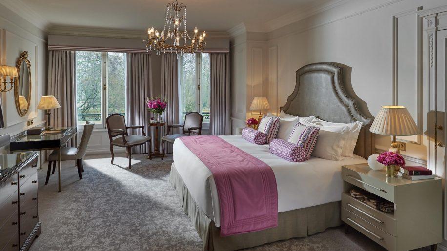 Mandarin Oriental London bedroom