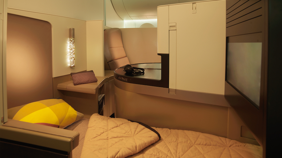 Etihad A380 BUSINESS_STUDIO