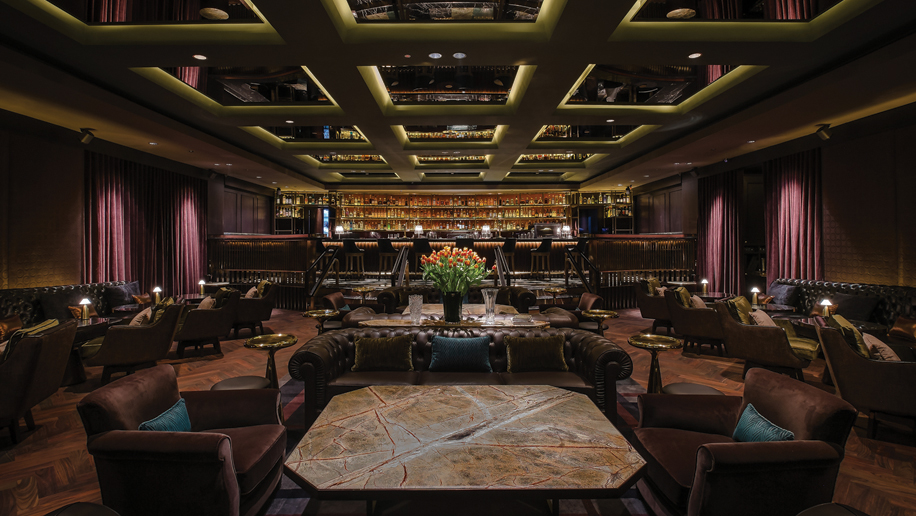The Main Salon of Manhattan, the Regent Singapore