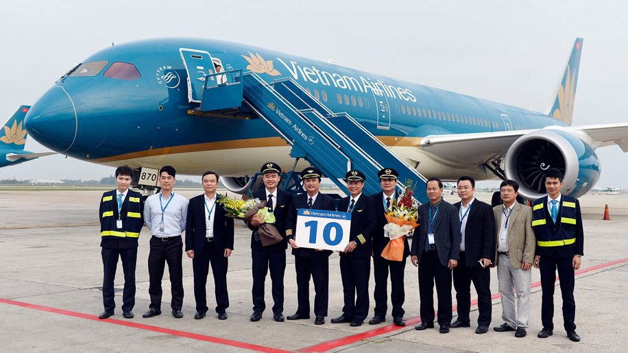 vietnam airlines takes delivery of 10th dreamliner. Black Bedroom Furniture Sets. Home Design Ideas