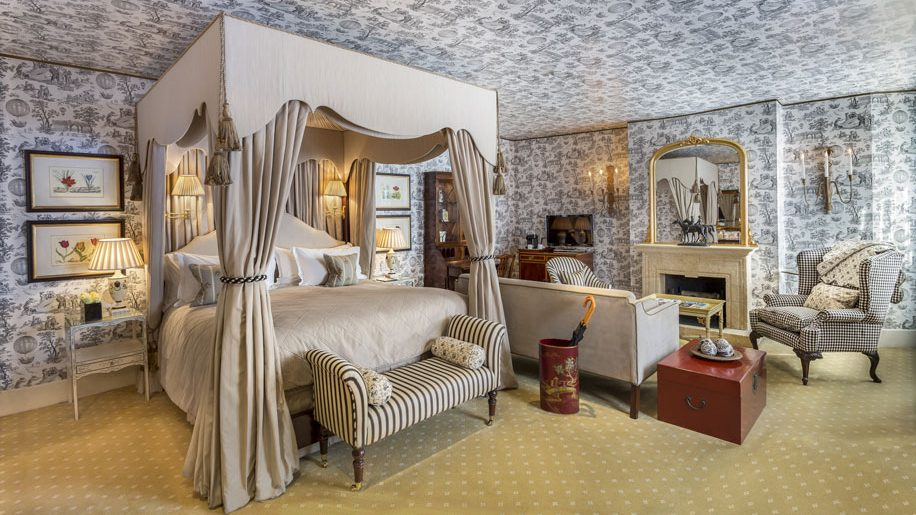 stafford hotel in london to renovate carriage house suites business traveller. Black Bedroom Furniture Sets. Home Design Ideas