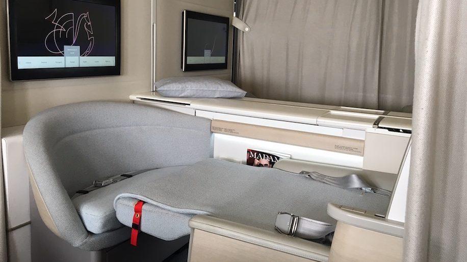 f4fffb412fc42d Air France La Première first class B777-300ER – Business Traveller