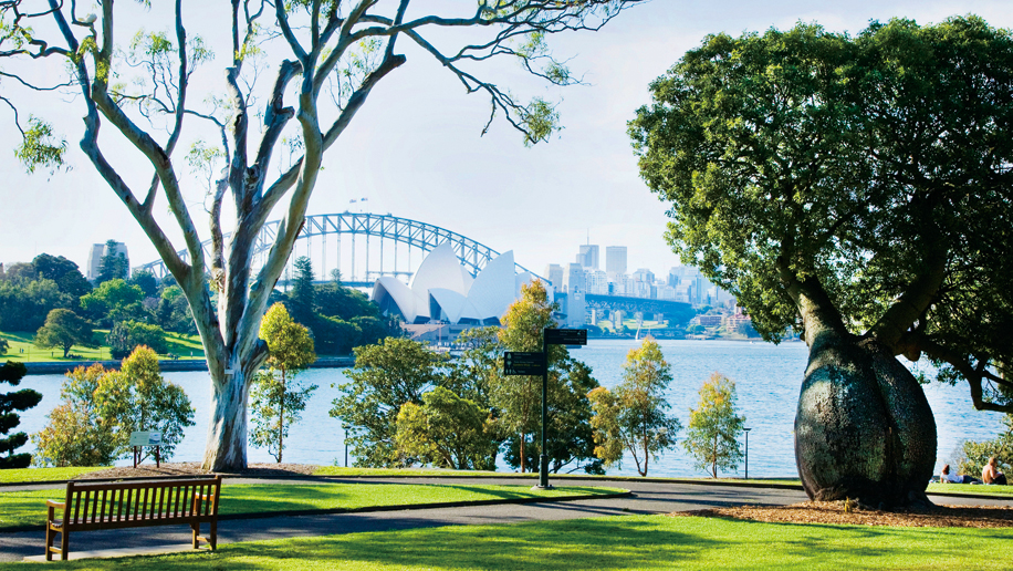 High Commission issues travel advice for Britons in Australia - business traveller