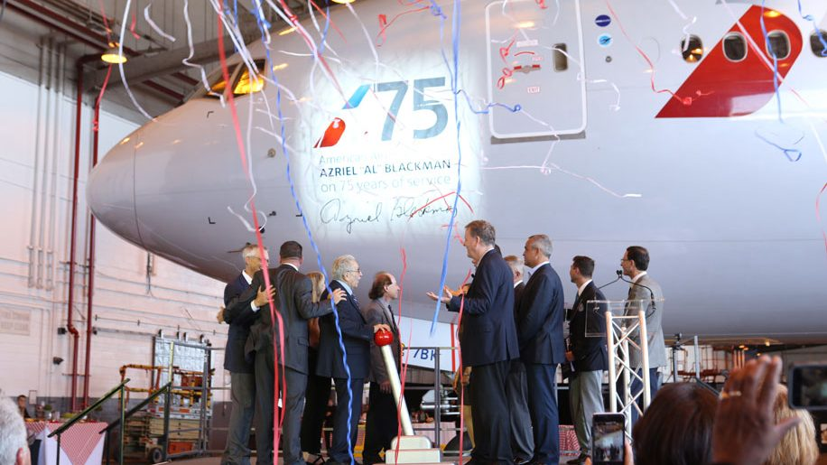 American Airlines Dedicates B777 To World S Longest Serving Airline Mechanic Business Traveller