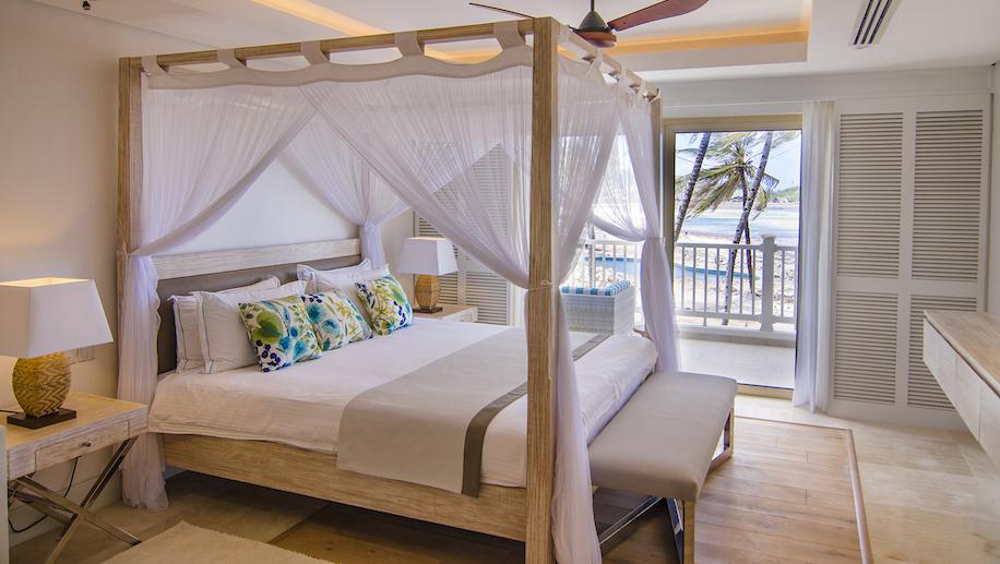 Bedroom interior_Hemingways Watamu_medres