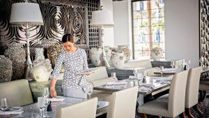 Jumeirah Al Naseem - Rockfish - Table Setting