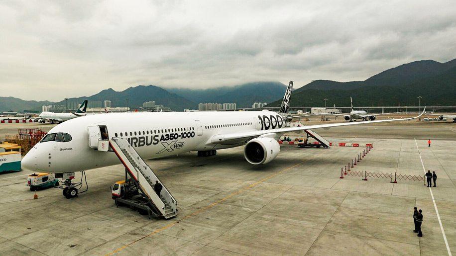 A350-1000 in Hong Kong