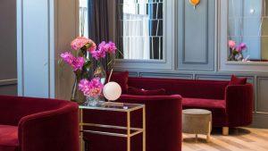 Lobby Hilton Curio Trafalgar St James