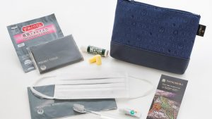 JAL business class amenity kit by Tatsumura