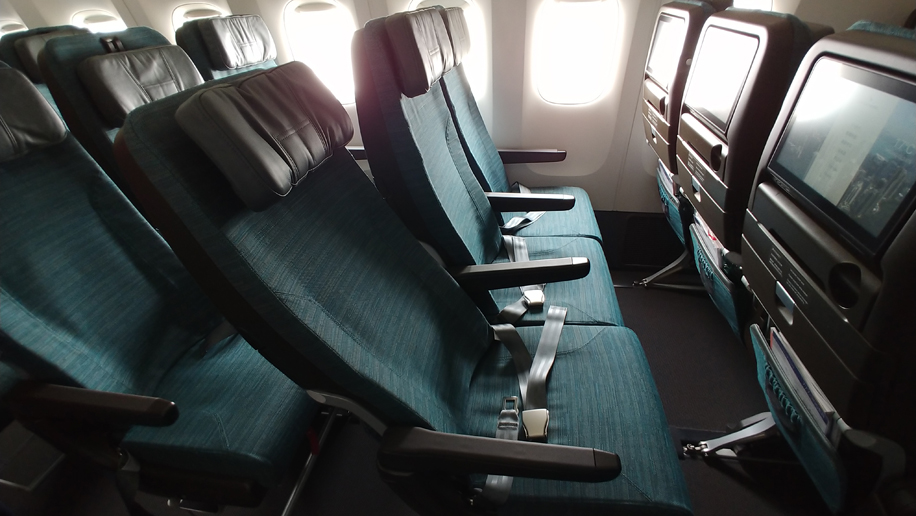 First look: Cathay Pacific\'s 10-across B777-300ER economy ...