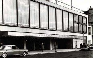 Hilton-Park-Lane-entrance-1963