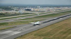 Qatar-Gatwick-take-off