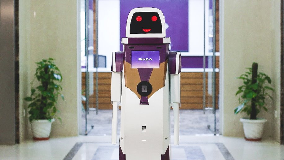 "Vistara introduces ""RADA"" robot for helping travellers at airport"