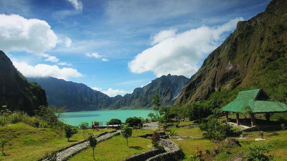 Philippines gears up to reopen tourism - business traveller