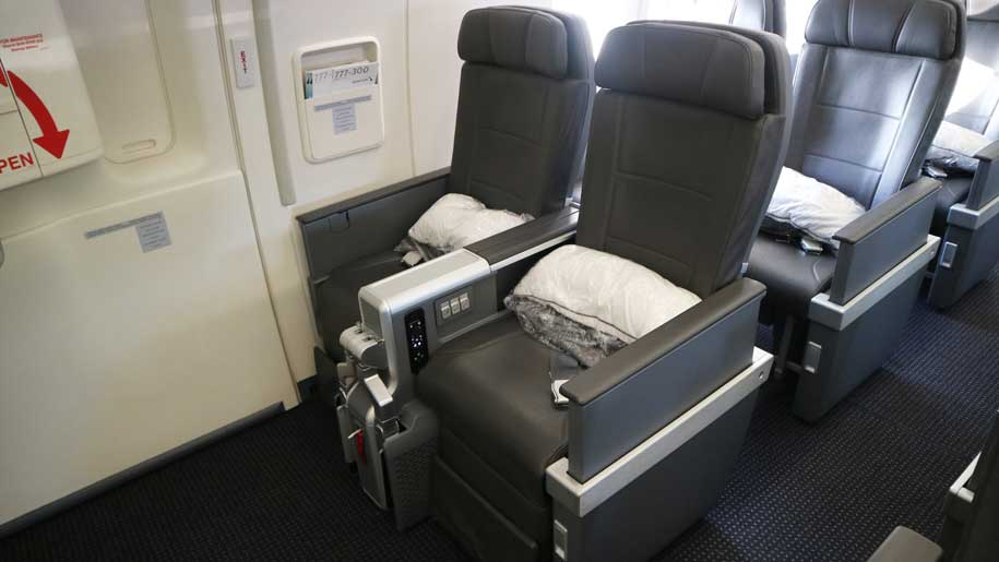 Flight Review American Airlines B777 300er Premium Economy