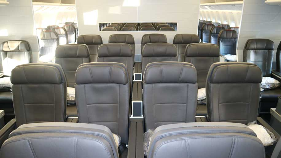 Flight Review American Airlines B777 300er Premium Economy