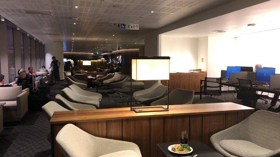 Oneworld Los Angeles Lounge