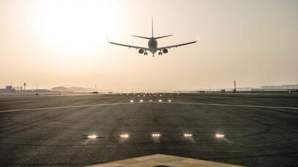 Runway-at-Dubai-International-airport
