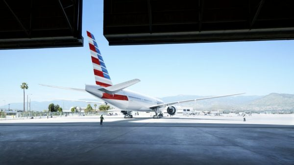American Airlines Boeing 777-300