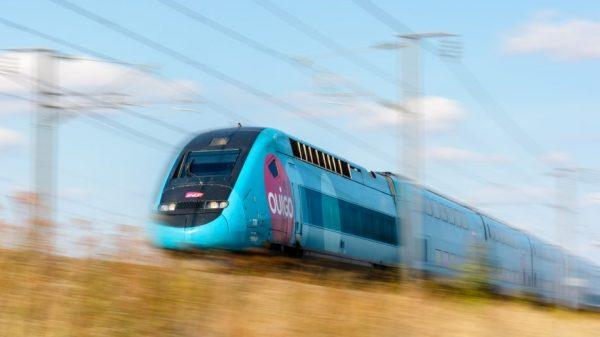 A TGV Duplex high-speed train in Ouigo livery. Credit: olrat/iStock