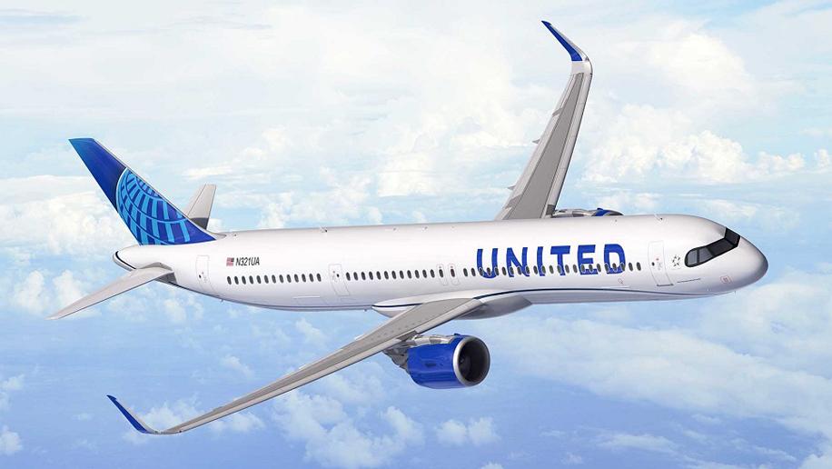 American Airlines e United estendem isenções de taxas de alteração de voo