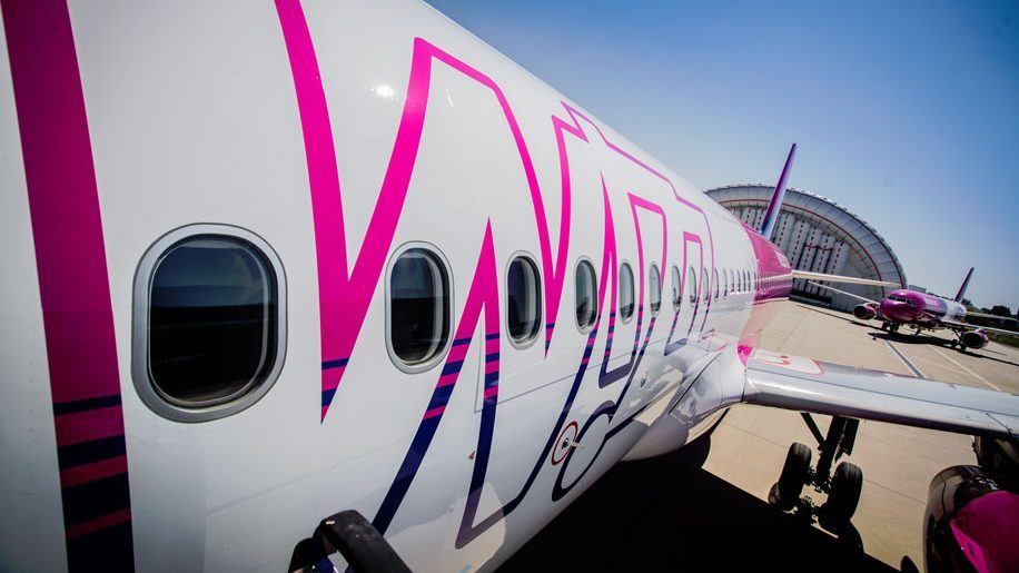 Wizz Air to relaunch flights from Luton to Spanish destinations - business traveller
