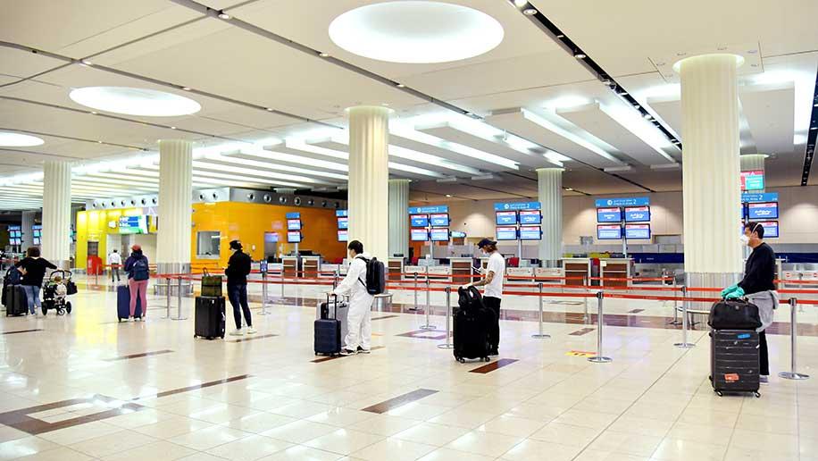 Emirates-check-in-queue