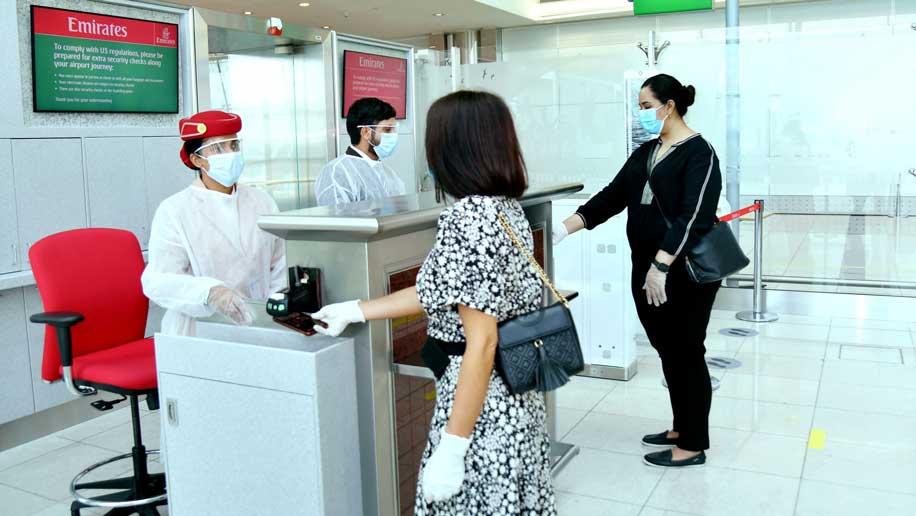 Emirates acrescenta distanciamento social aos seus voos