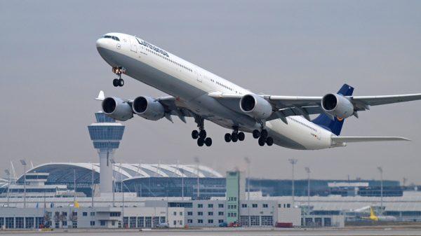 Lufthansa A340-600 aircraft
