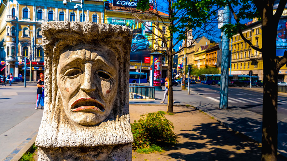 Budapest @itock com iStock 1171679894.
