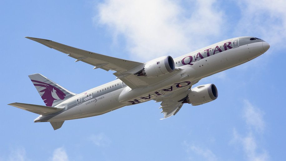 https://cdn.businesstraveller.com/wp-content/uploads/fly-images/426463/Qatar-Dreamliner-e1467117625498-916x515.jpg