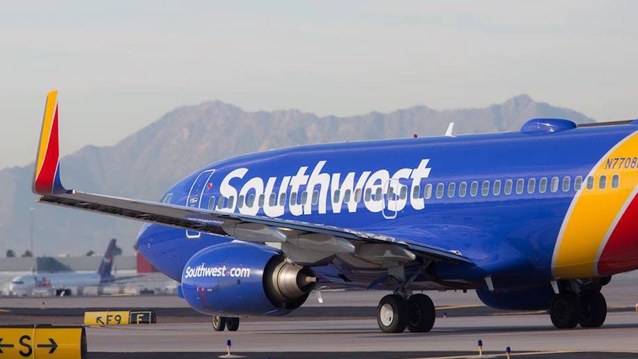 Southwest introduces ticket payments by Apple Pay