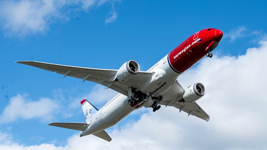Norwegian to add third daily Gatwick-New York service