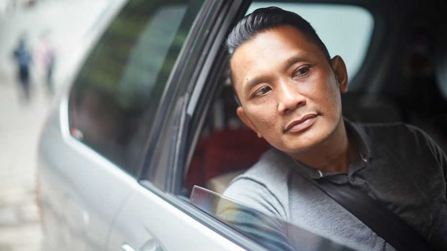 Business travellers warm to ride sharing, not room sharing