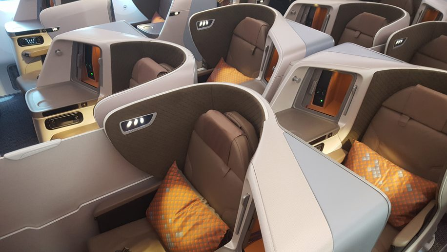 Singapore Airlines Boeing 787-10 regional business class Dreamliner