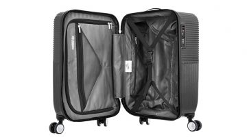 d395748d2 Luggage review: Tumi Merge International Expandable Carry-On ...