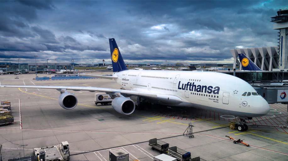 Lufthansa Group issues Q1 profit warning