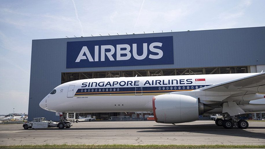Singapore Airlines\' first A350-900ULR emerges from paint shop ...