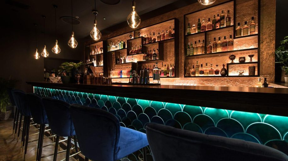 Idris Elba Opens Cocktail Bar At London S Waldorf Hilton