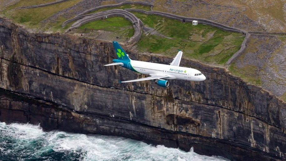 Aer Lingus adds Apple Pay option