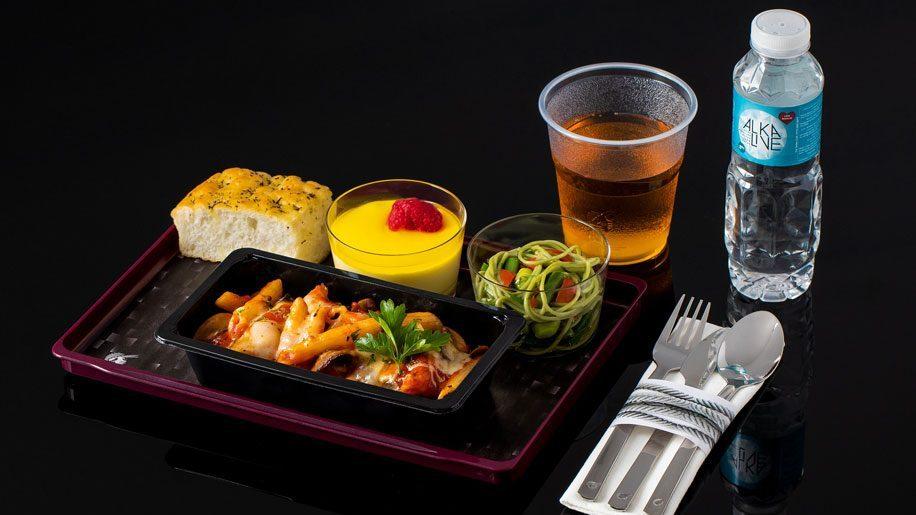 """Qatar Airways unveils economy dining """"Quisine"""" revamp"""