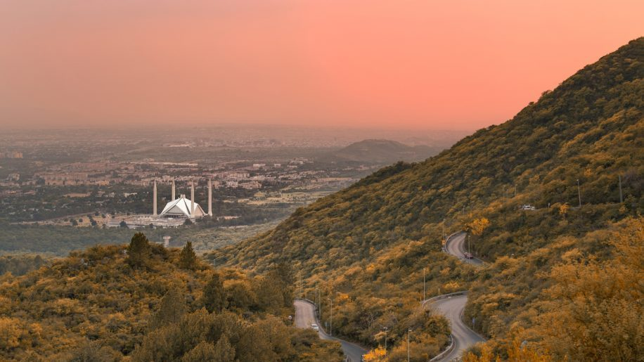 Pakistan reopens airspace for all civilian traffic