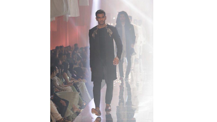 First Look: Manish Malhotra's menswear looks at Lakmé Fashion Week